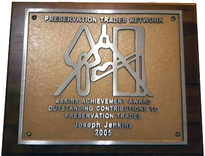 Joe Jenkins receives the 2005 Askins Achievement Award.